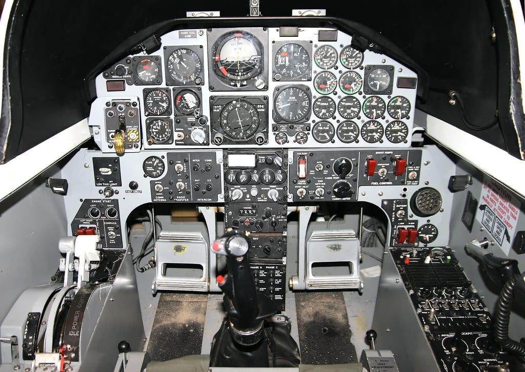 t38 cockpit